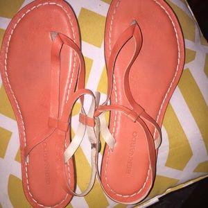 Bernardo Merit Coral Flat Strappy Sandals 8.5